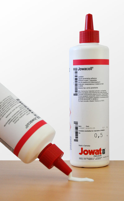 Jowat glue dispersion bottle